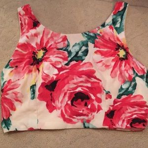 Tops - Brand New Rose Floral mini crop top with tie back